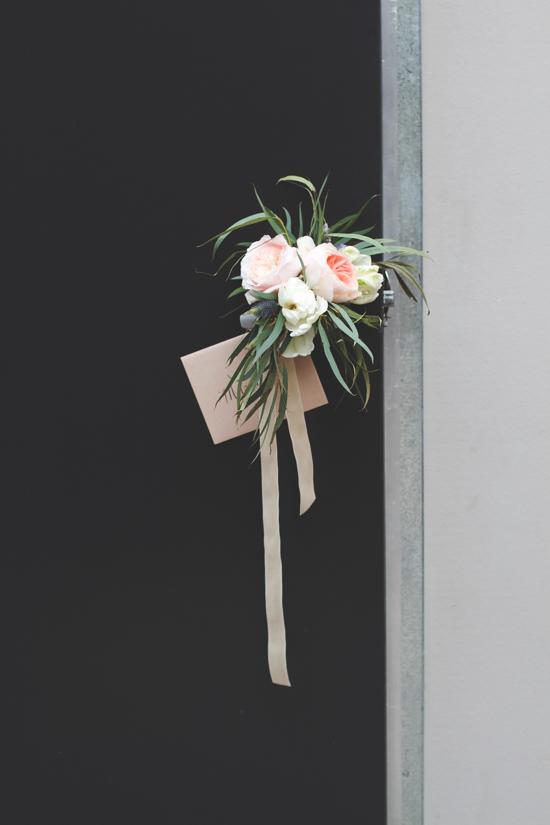 bouquet-bombing-diy-surprise-22