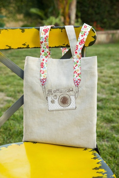 minkikim_camera_embroidery_tote_bag_01
