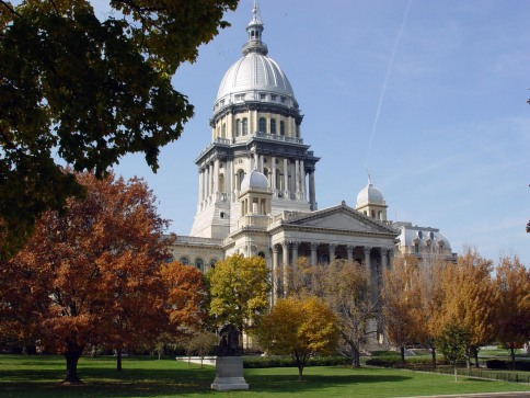 Springfield_-_Illinois_State_Capitol_Building_in_Fall