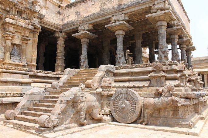 800px-%22Amazing_design_of_Airavatesvara_Temple%22