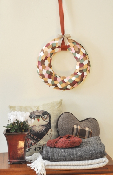 autumn-leaf-paper-punch-wreath-paperstraw-craft-11