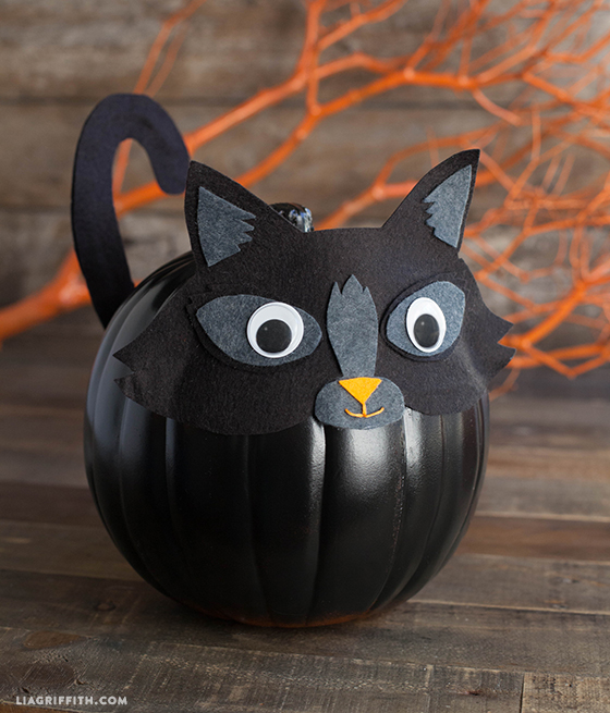 Felt_Kitty_Pumpkin_Costume_DIY