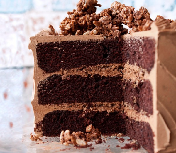 devils-food-cake-with-hazelnut-crunch-646-646x560