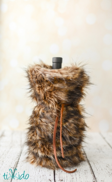 faux-fur-wine-bag-tikkido (6 of 8)