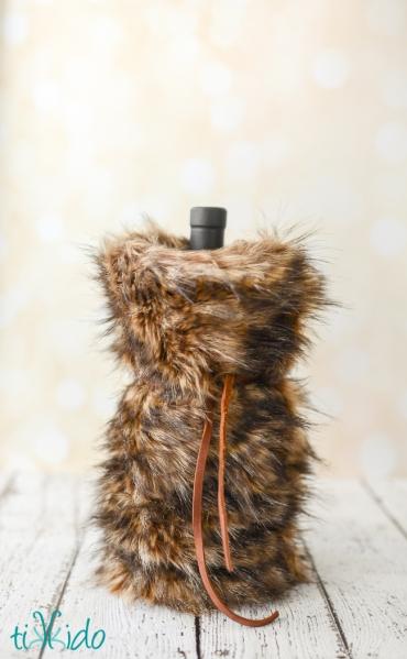 faux-fur-wine-bag-tikkido (6 of 8)