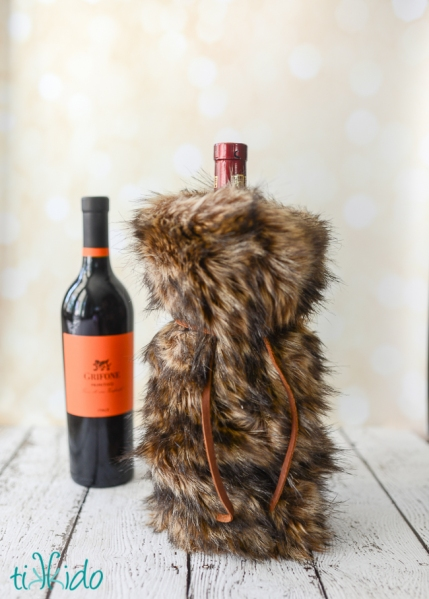 faux-fur-wine-bag-tikkido (8 of 8)