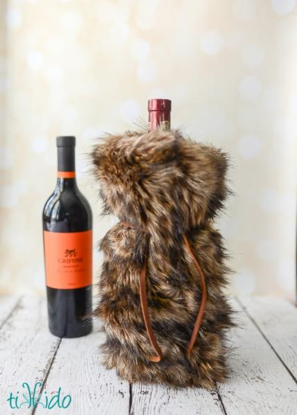 faux-fur-wine-bag-tikkido (8 of 8)