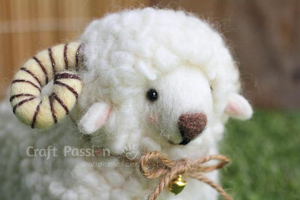 felted-horn-sheep