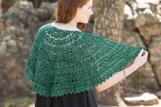 5618.Flying_Broomstick_lace_Shawl%20(2).jpg-550x0