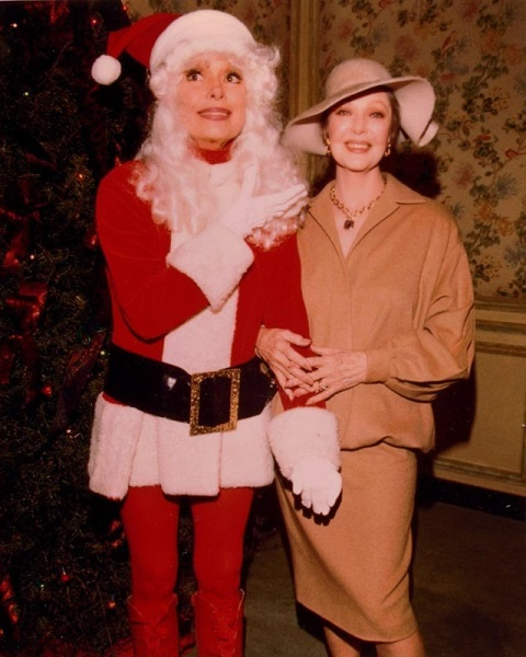 Celebrities Dressed for Christmas in the Past (16)