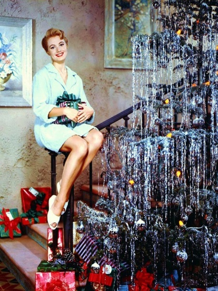 Celebrities Dressed for Christmas in the Past (19)
