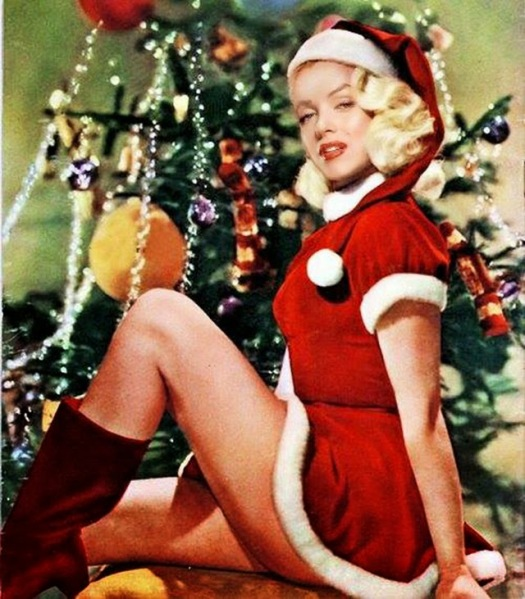 Celebrities Dressed for Christmas in the Past (2)