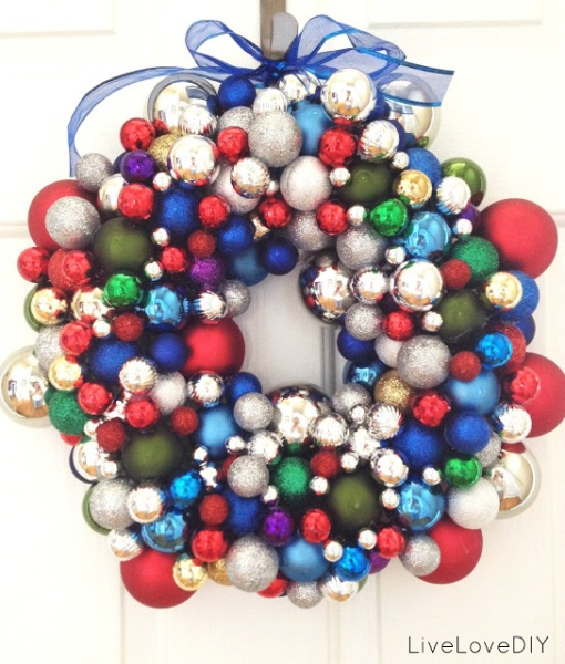 Christmas ornament wreath colorful