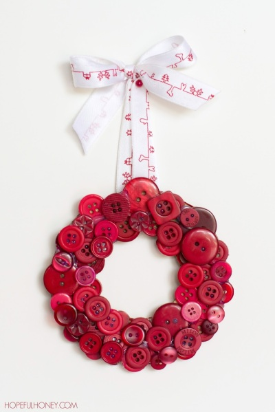 DIY Christmas Button Wreath 3