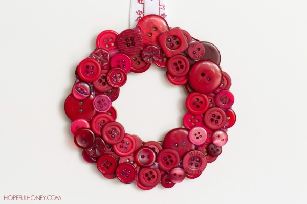 DIY Christmas Button Wreath 4
