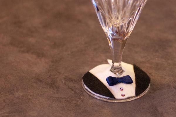 tuxedo-wine-glass-charm-13