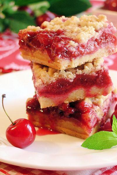 Cherry-Pie-Crumble-Bars