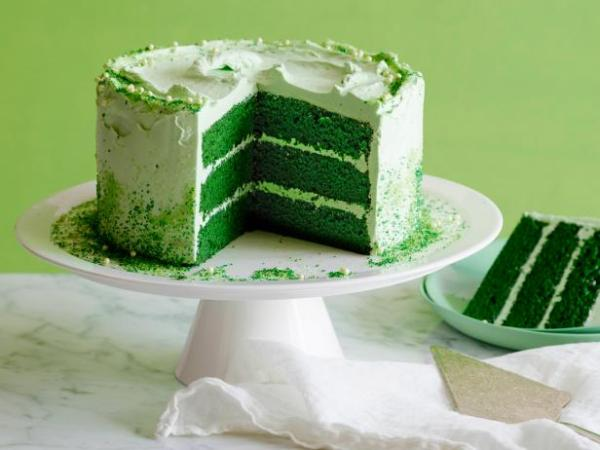 FN_St-Patricks-Day-Green-Velvet-Layer-Cake_s4x3.jpg.rend.sni18col
