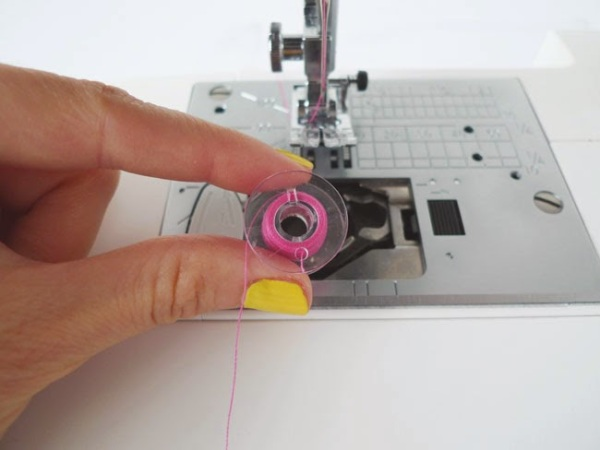 Sewing_Machine_Problems_Fixes_12
