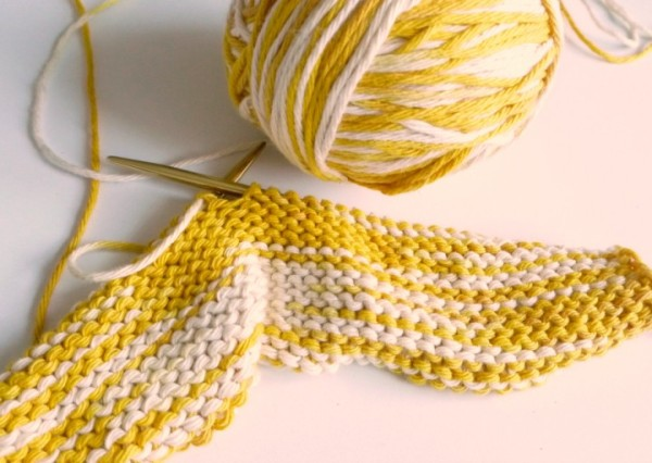 Turmeric-Dyed-Yarn-in-Knit-900-720x512