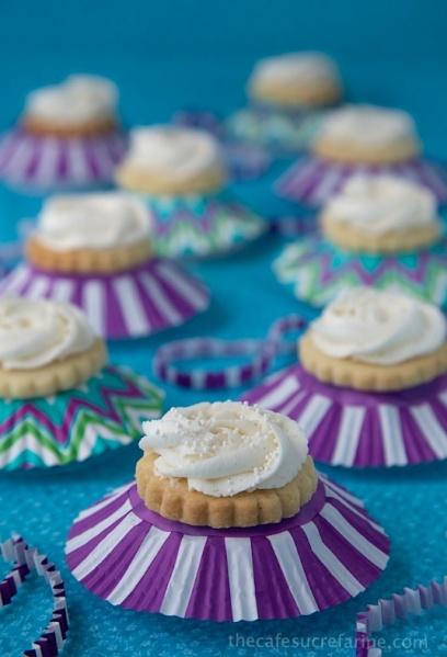 Vanilla-Bean-Shortbread-Cookies-Lt-1
