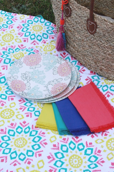 Easy-Colorful-Picnic-Blanket-to-Sew