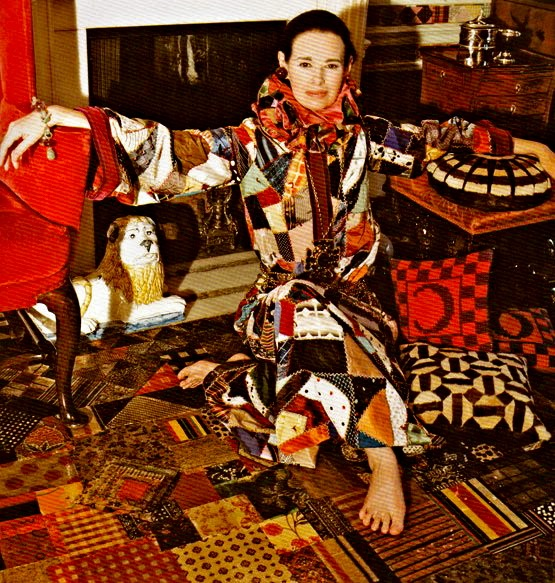 gloria_vanderbilt_at_home