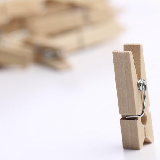 miniature_wood_clothespins_1