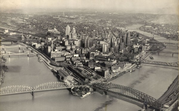 Pittsburgh-Black-and-White-1024x637