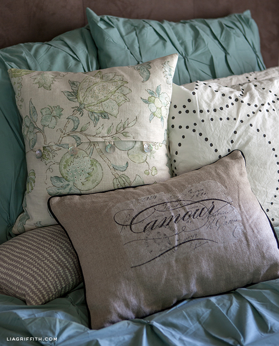 EasyDIYPillowCovers.jpg