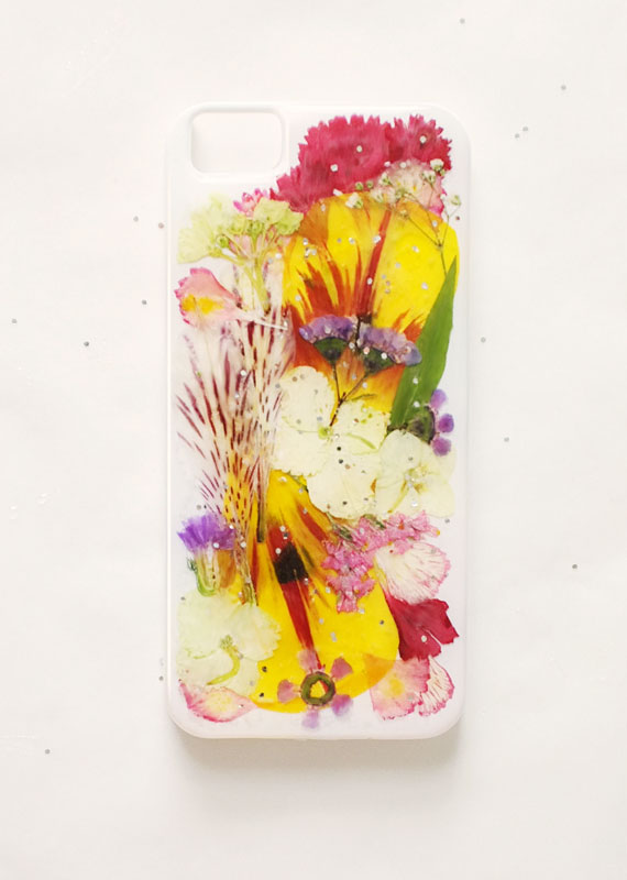 etsyhowto-diy-howto-iphonecase-pressedflowers-finished.jpg