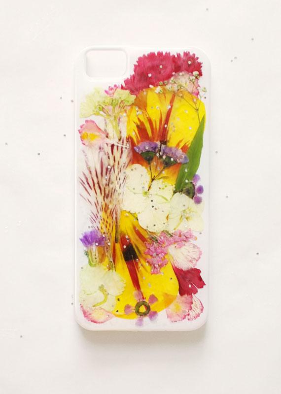 etsyhowto-diy-howto-iphonecase-pressedflowers-finished.jpg