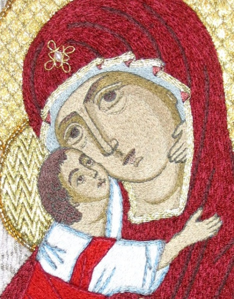 Golden-needle-sewing-by-Olga-Orlova.-Our-Lady-Of-Vladimir.-Detail