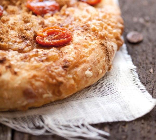 sweet-apricot-breakfast-bread-hero