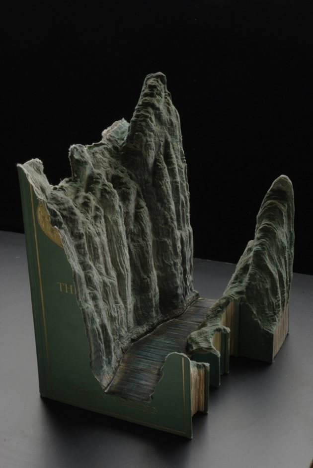 stunning-book-sculptures-guy-laramee-3.jpg