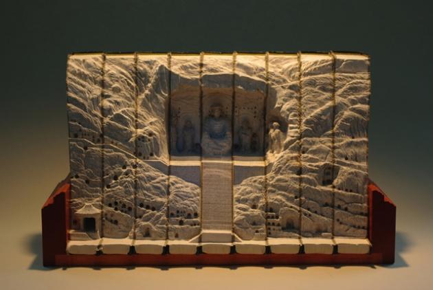 stunning-book-sculptures-guy-laramee-4.jpg