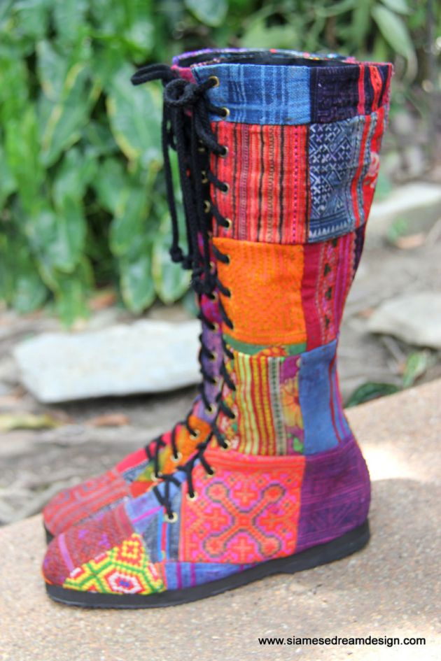 Vegan_patchwork_womens_boots_in_Hmong_embroidery_and_batik_handmade_007_massive.JPG