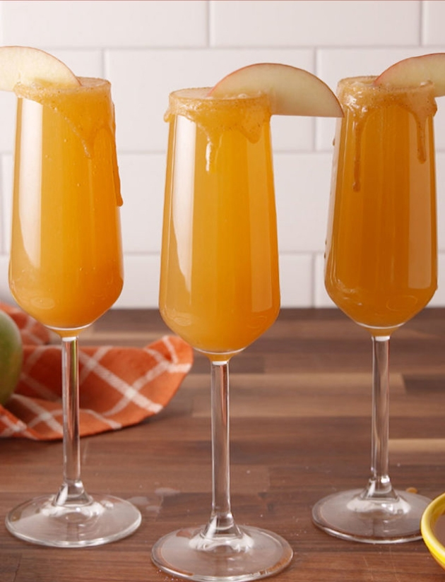 gallery-1475247271-delish-pin-carmelapplemimosa1.jpg