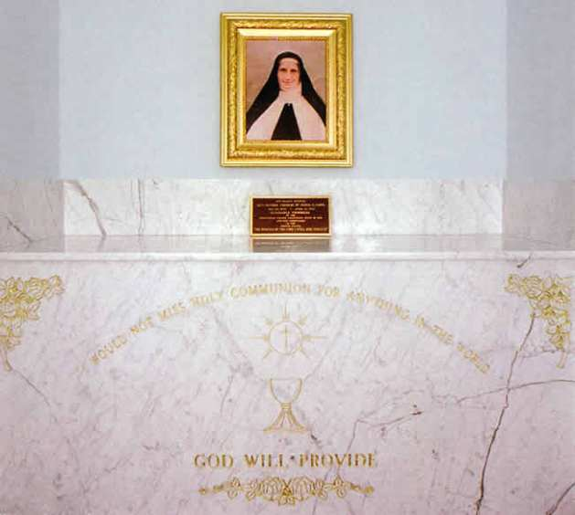 Mother Therese Tomb.jpg